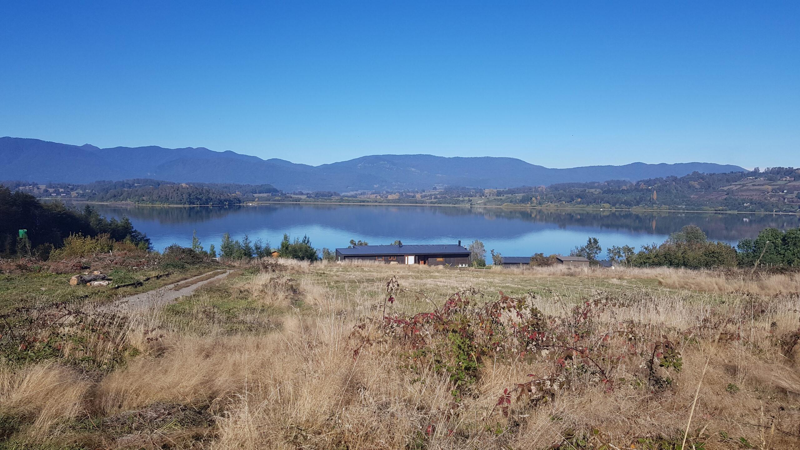 Panguipulli, parcela 0,5 hectáreas, con vista al volcán Choshuenco y acceso al lago Panguipulli.