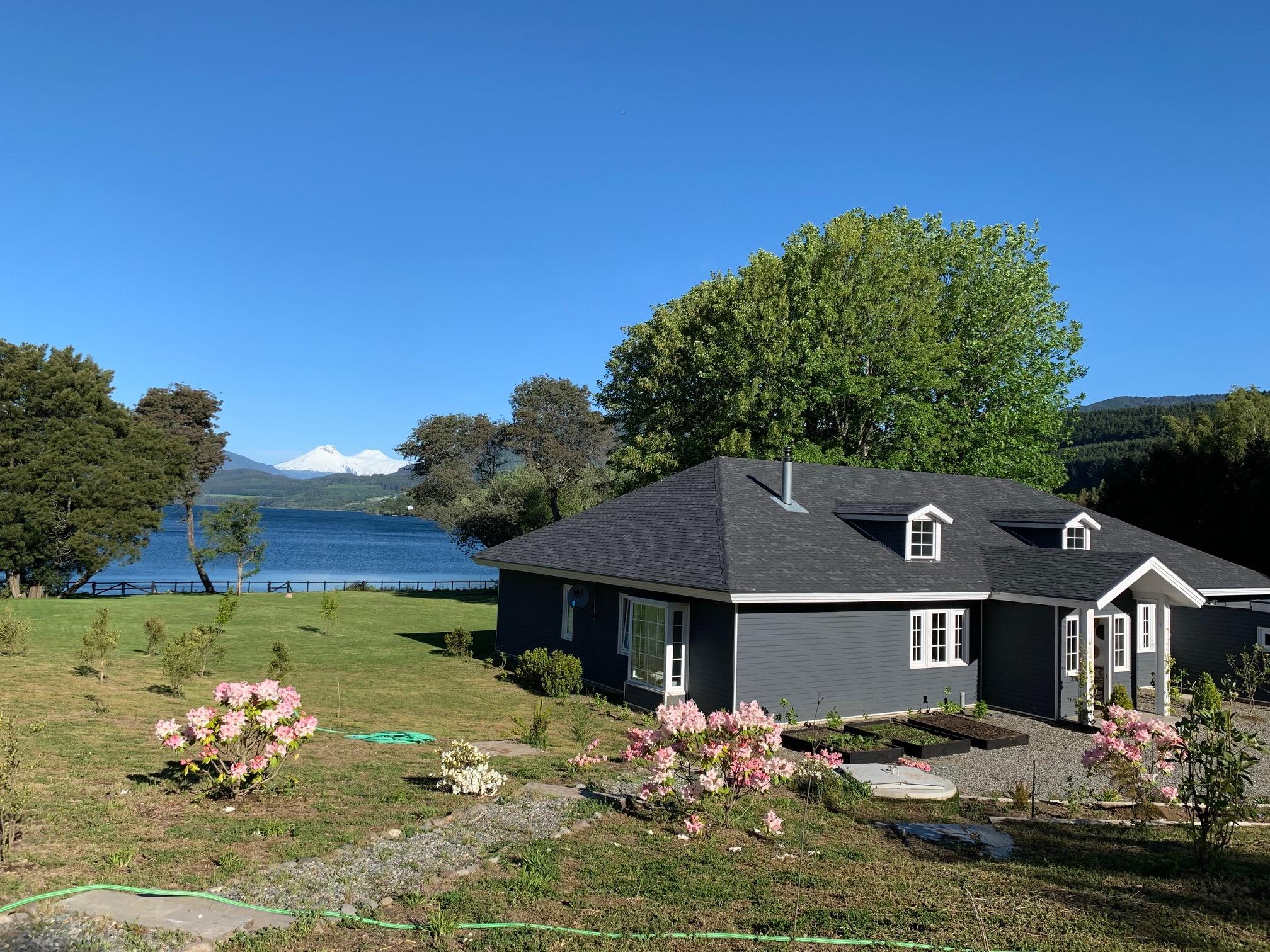Lago Riñihue, sitio 8.700 m2/casa 330 m2